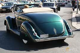Bak/Sida av Ford Model 68 Cabriolet 3.6 V8 Manual, 86ps, 1936 på Cruising Lysekil 2015