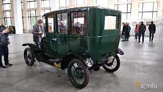 Back/Side of Ford Model T Fordor Sedan 2.9 Manual, 20ps, 1923 at Old Car Land no.2 2018