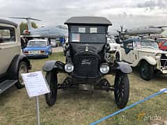 Front  of Ford Model T Runabout 2.9 Manual, 20ps, 1925 at Old Car Land no.2 2019