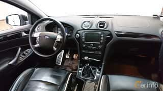 Interior of Ford Mondeo Turnier 1.6 TDCi Manual, 115ps, 2014