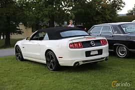 Back/Side of Ford Mustang GT Convertible 5.0 V8 Automatic, 426ps, 2013 at Bil & MC-träffar i Huskvarna Folkets Park 2019 Amerikanska fordon
