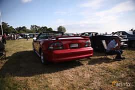 Bak/Sida av Ford Mustang GT Convertible 4.6 V8 Automatic, 218ps, 1997 på Tisdagsträffarna Vikingatider v.21 / 2018