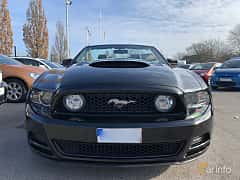 Front  of Ford Mustang GT Convertible 5.0 V8 Automatic, 426ps, 2014