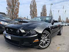 Front/Side  of Ford Mustang GT Convertible 5.0 V8 Automatic, 426ps, 2014