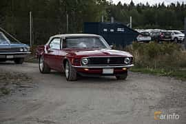 Fram/Sida av Ford Mustang Convertible 4.9 V8 Automatic, 213ps, 1970 på Power End of Summer Meet 2018