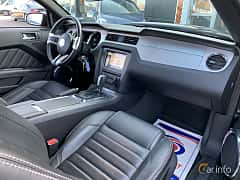 Interior of Ford Mustang GT Convertible 5.0 V8 Automatic, 426ps, 2014