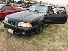Front/Side  of Ford Mustang GT Hatchback 5.0 V8 208ps, 1993 at Old Car Land no.2 2019