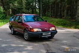 Front/Side  of Ford Sierra Estate 2.0 Manual, 100ps, 1988 at Svenskt sportvagnsmeeting 2019