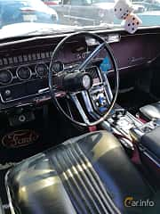 Interior of Ford Thunderbird Hardtop 6.4 V8 Automatic, 305ps, 1965
