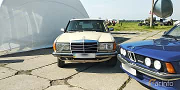 Front  of Mercedes-Benz 230 TE  136ps, 1984 at Old Car Land no.1 2019