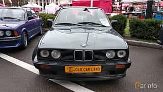 Front  of BMW 3 Series 4-door Sedan 1988 at Old Car Land no.2 2018