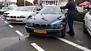 Front  of BMW 530d Sedan  193ps, 2001 at Old Car Land no.2 2018
