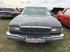 Front  of Buick Park Avenue 1991 at Old Car Land no.2 2019
