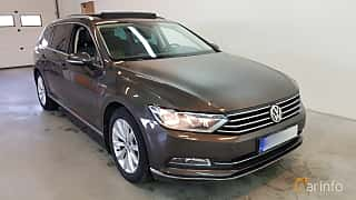 Front/Side  of Volkswagen Passat Variant 2.0 TDI SCR BlueMotion 4Motion DSG Sequential, 190ps, 2015