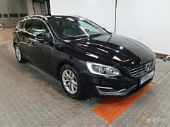 Front/Side  of Volvo V60 D4 AWD Geartronic, 181ps, 2015