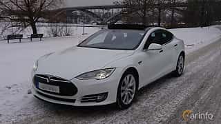Fram/Sida av Tesla Model S 85D 85 kWh AWD Single Speed, 423ps, 2016