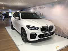 Front/Side  of BMW X5 xDrive30d  Steptronic, 265ps, 2019