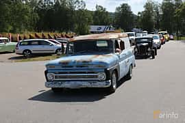 Front/Side  of Chevrolet C/K Panel Wagon 1964 at A-bombers - Old Style Weekend Backamo 2019