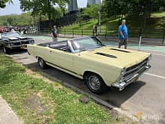 Front/Side  of Ford Fairlane GT Convertible 6.4 V8 Automatic, 324ps, 1967 at Father's Day Classic Car Show New York 2019