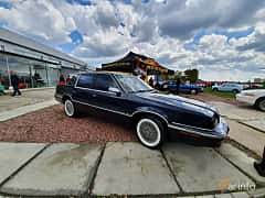 Front/Side  of Chrysler New Yorker 3.3 V6 Automatic, 150ps, 1992 at Old Car Land no.1 2019