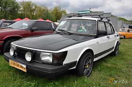 Front/Side  of Saab 900 3-door 1985 at Old Car Land no.1 2019