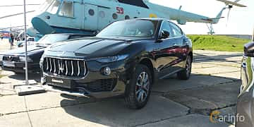 Front/Side  of Maserati Levante  Automatic, 350ps, 2019 at Old Car Land no.1 2019