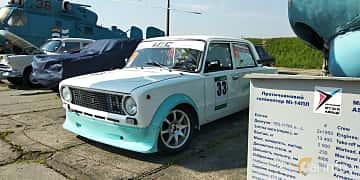 Front/Side  of VAZ 21013 1.2 Manual, 64ps, 1980 at Old Car Land no.1 2019