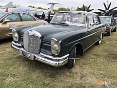 Front/Side  of Mercedes-Benz 220 S Sedan  105ps, 1963 at Old Car Land no.2 2019