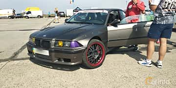 Front/Side  of BMW 318is Coupé  Manual, 140ps, 1993 at Proudrs Drag racing Poltava 2019