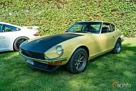 Front/Side  of Datsun 240Z 2.4 Manual, 154ps, 1971 at Sportbilsklassiker Stockamöllan 2019