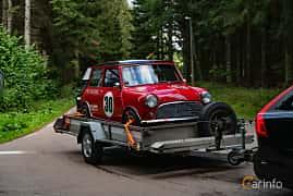 Front/Side  of Austin Mini Cooper S 1071 1.1 Manual, 70ps, 1963 at Svenskt sportvagnsmeeting 2019