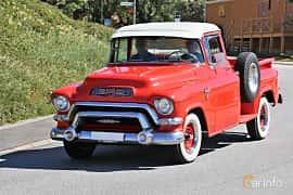 Fram/Sida av GMC Blue Chip 150 Pickup 5.2 V8 Automatic, 183ps, 1956 på Cruising Lysekil 2019