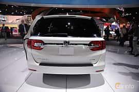 Back of Honda Odyssey (NA) 2017 at North American International Auto Show 2017