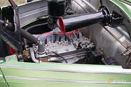 Engine compartment  of Hudson 112 Touring Sedan 2.9 Manual, 87ps, 1939 at Onsdagsträffar på Gammlia Umeå 2019 vecka 23