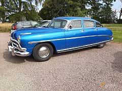 Fram/Sida av Hudson Commodore 4-door Sedan 4.2 Manual, 128ps, 1952