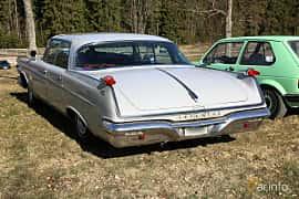 Bak/Sida av Imperial Crown 4-door Southampton 6.8 V8 TorqueFlite, 345ps, 1962 på Uddevalla Veteranbilsmarknad Backamo, Ljungsk 2019