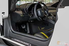 Interior of Lamborghini Aventador LP 750-4 SV 6.5 V12 ISR, 750ps, 2017