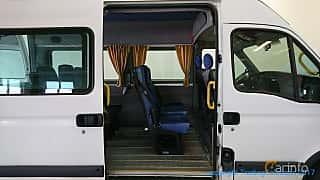 Interior of Opel Movano Minibus 3.0 CDTI Manual, 136ps, 2003