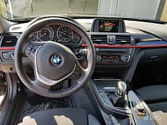 Interiör av BMW 318d Touring 2.0 Manual, 143ps, 2015