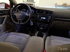 Interior of Volkswagen Golf Variant 2.0 TDI BlueMotion  Manual, 150ps, 2016