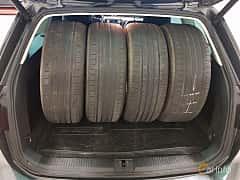 Interior of Volkswagen Passat Variant 2.0 TDI SCR BlueMotion DSG Sequential, 190ps, 2016