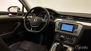 Interior of Volkswagen Passat Variant 2.0 TDI BlueMotion Manual, 150ps, 2015