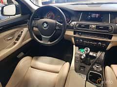 Interiör av BMW 520d Touring  Manual, 190ps, 2016