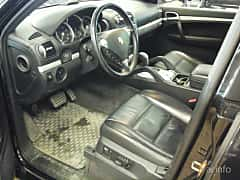 Interior of Porsche Cayenne Turbo 4.8 V8 4 TipTronic S, 500ps, 2008