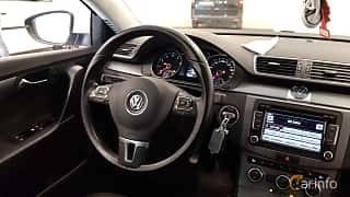 Interior of Volkswagen Passat Variant 1.4 TSI EcoFuel Manual, 150ps, 2013