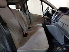 Interior of Nissan Primastar Combi 2.0 dCi Manual, 114ps, 2011