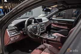 Interiör av BMW 745e  Steptronic, 394ps, 2020 på IAA 2019