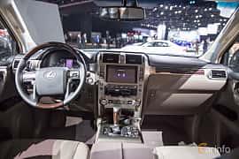 Interiör av Lexus GX 460 4.6 V8 4WD Automatic, 305ps, 2018 på North American International Auto Show 2018