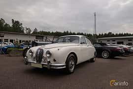 Front/Side  of Jaguar Mark 2 3.4 XK Manual, 210ps, 1962 at Joe's garage 2019´s stora Jaugurevent