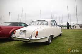 Back/Side of Jaguar S-Type 3.4 Manual, 213ps, 1966 at Veteranbilsträff i Vikens hamn  2019 Maj